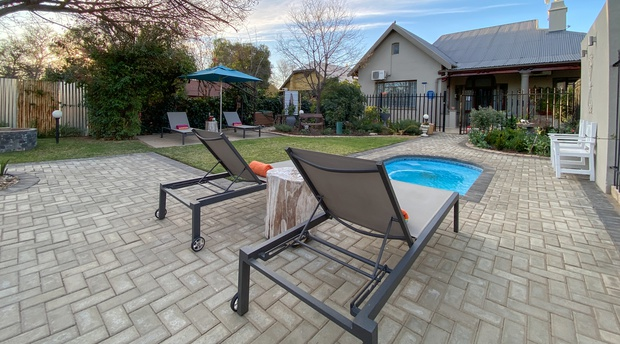 Children friendly Oudtshoorn accommodation with splash pool